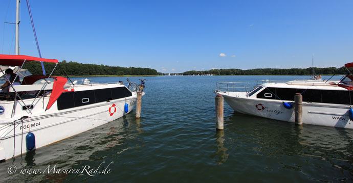Hausboot Courier ist auch bei MasurenRad.de zu mieten!