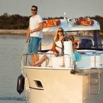 Neues und modernes Hausboot auf der Masurischen Seenplatte in der Saison 2013!