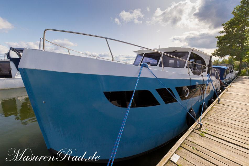 neue hausboote in polen auf der masurischen seenplatte. Black Bedroom Furniture Sets. Home Design Ideas